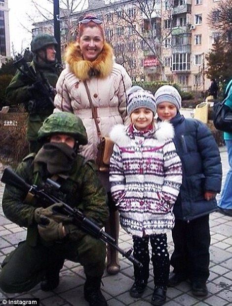 selfie with russian soldiers